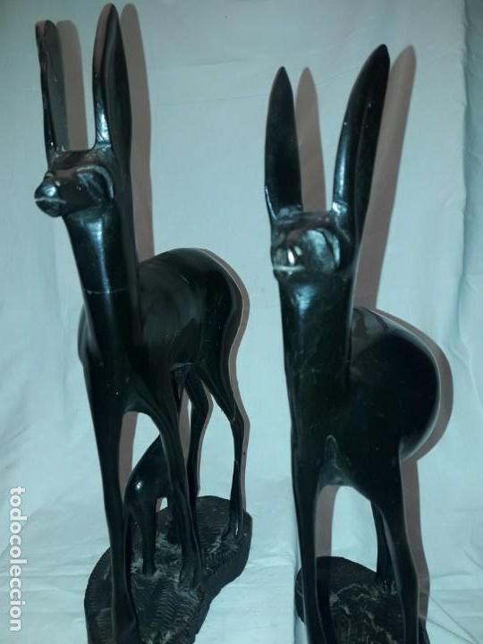 Arte: Preciosas esculturas africanas talla madera de Ébano pareja de gacelas con cría 38cm 2.5kg - Foto 29 - 154955542
