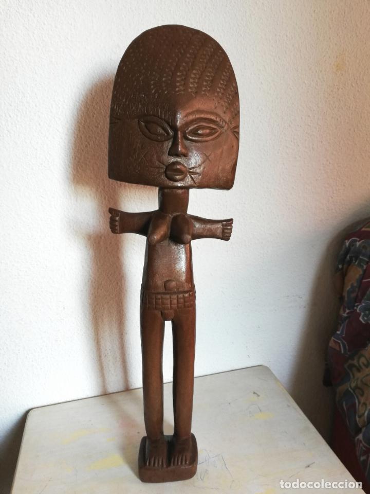 ANTIGUA FIGURA MÁSCARA AFRICANA 63 X 17 CMTRS. (Arte - Étnico - África)