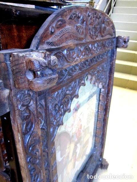 Arte: cuadro de caballeros pintados sobre tela de seda y enmarcados en ventana antigua - Foto 3 - 155607290