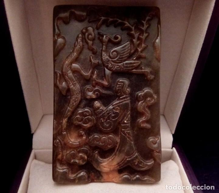 LINGOTE DE JADE TALLADO CON DRAGON Y AVE FENIX - 114 GRAMOS. (Arte - Étnico - Asia)