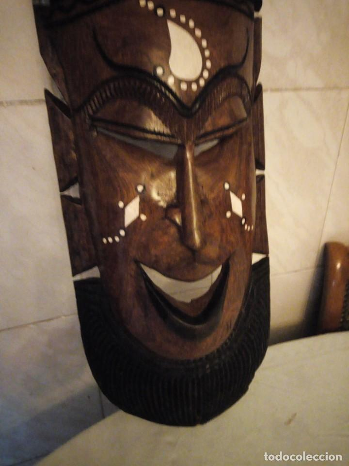 Arte: Extraordinaria mascara africana tallada a mano en madera con incrustaciones de hueso o marfil. - Foto 6 - 159418554