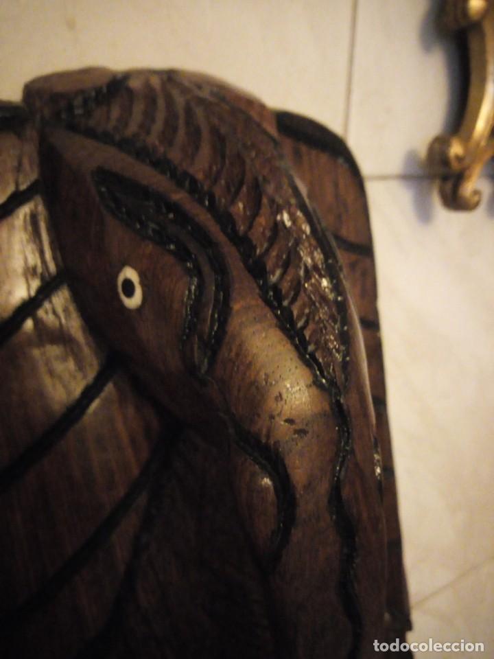 Arte: Extraordinaria mascara africana tallada a mano en madera con incrustaciones de hueso o marfil. - Foto 14 - 159418554