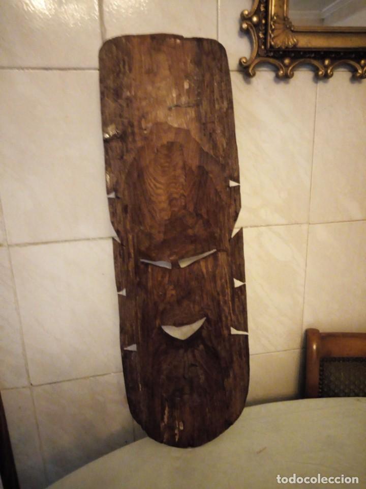 Arte: Extraordinaria mascara africana tallada a mano en madera con incrustaciones de hueso o marfil. - Foto 15 - 159418554