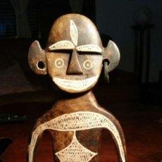 Arte: ESCULTURA AFRICANA EN PIEDRA TALLADA Y RASGADA, FIGURA NATIVO. Lote 160527734