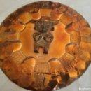 Arte: PLATO DECORATIVO DE PARED DE COLOMBIA CON MOTIVOS PRECOLOMBINOS. Lote 160792834