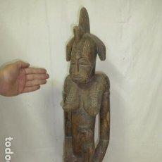 Arte: ANTIGUA GRAN ESCULTURA DE MADERA TALLADA AFRICANA, MATERNIDAD, ORIGINAL, DE TRIBU AFRICANA. AFRICA.. Lote 163979126