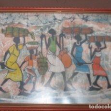 Arte: CUADRO CON ESCENA AFRICANA. ES TELA TEÑIDA CON COLORES. FIRMADA / 76,5 X 58,5 CM. Lote 165213670