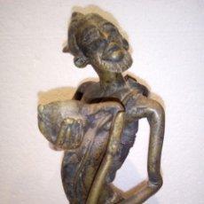 Arte: GRAN FIGURA DOGON EN BRONCE PROCEDENTE DE MALI. Lote 165894726