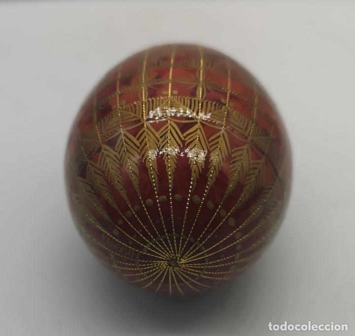 Arte: Magnífico huevo antiguo Ruso de colección en madera pintado a mano y firmado . - Foto 5 - 235015045