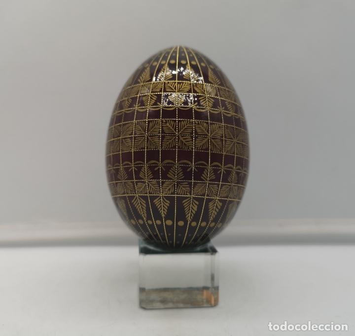 Arte: Magnífico huevo antiguo Ruso de colección en madera pintado a mano y firmado . - Foto 2 - 169175364