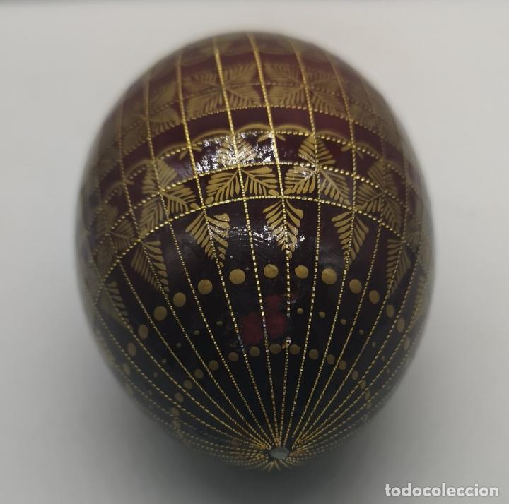 Arte: Magnífico huevo antiguo Ruso de colección en madera pintado a mano y firmado . - Foto 4 - 169175364