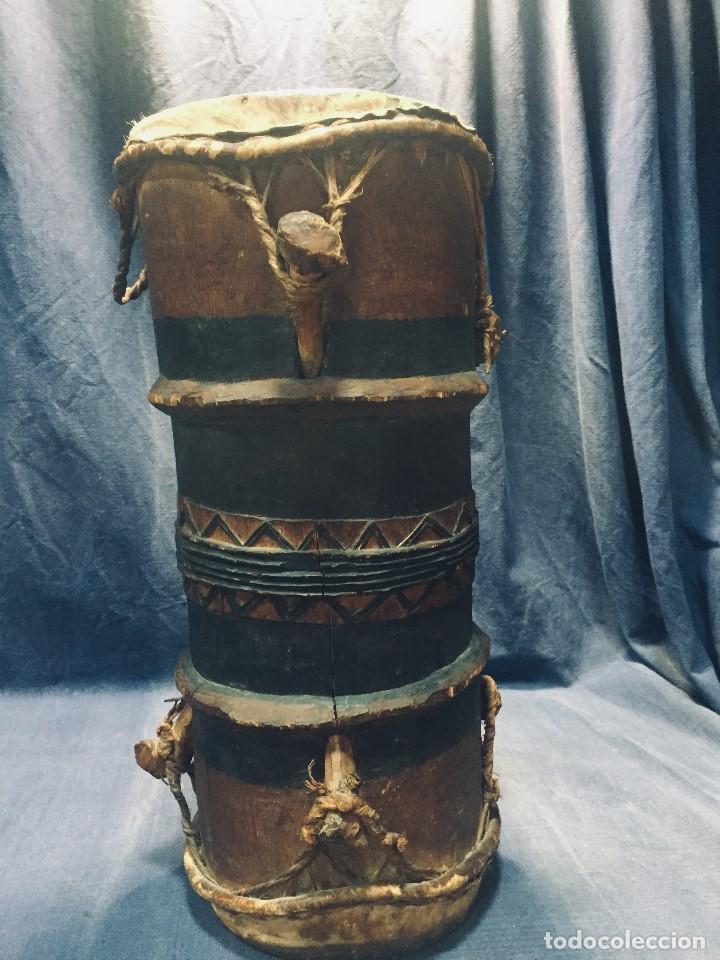 ANTIGUO TAMBOR DOBLE AFRICA YORUBA BAOULE PIEL MADERA PATINA FIN S XIX PPIO S XX 49X23CMS (Arte - Étnico - África)