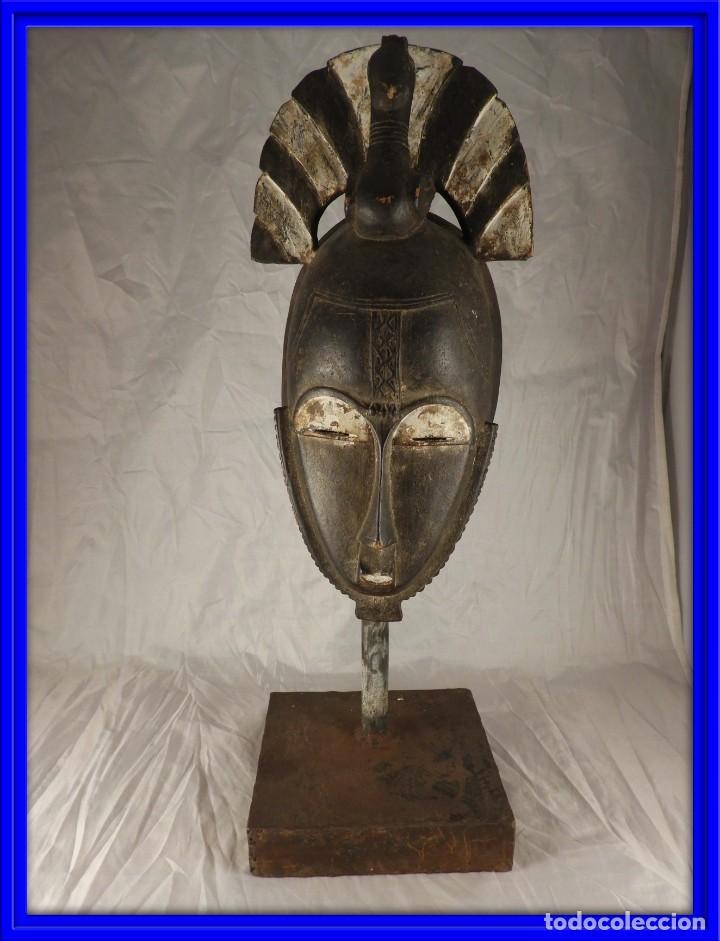 MASCARA AFRICANA BOULE CON POLICROMIA CON SOPORTE METALICO (Arte - Étnico - África)