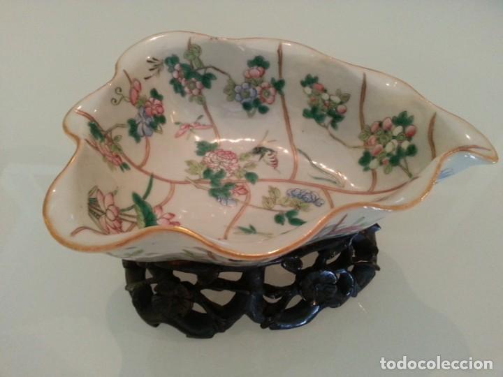 Arte: Antigua pieza China, detalles insectos y flores- con marca - Foto 5 - 171430792