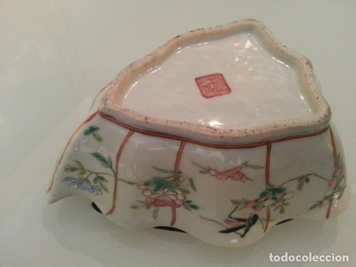 Arte: Antigua pieza China, detalles insectos y flores- con marca - Foto 11 - 171430792