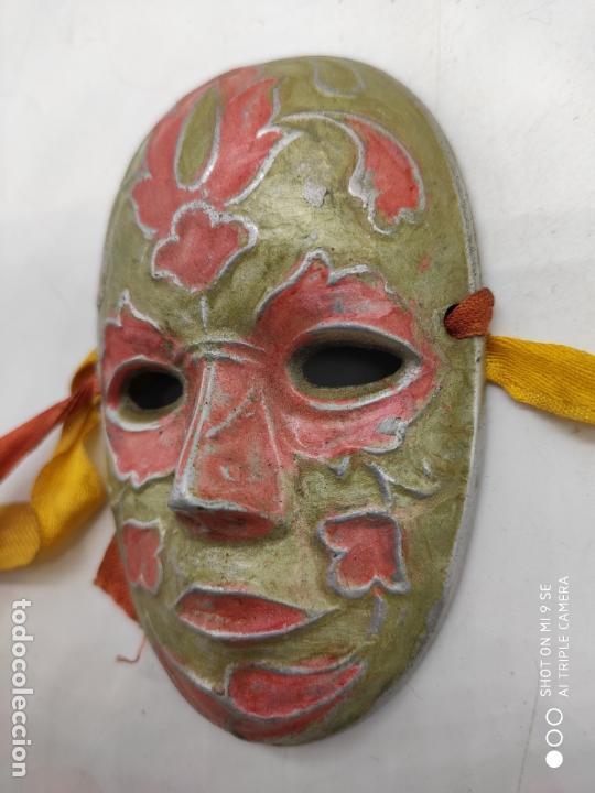Arte: Bella máscara antigua Veneciana en metal plata con esmaltes nacarados pintada a mano . - Foto 2 - 171831609
