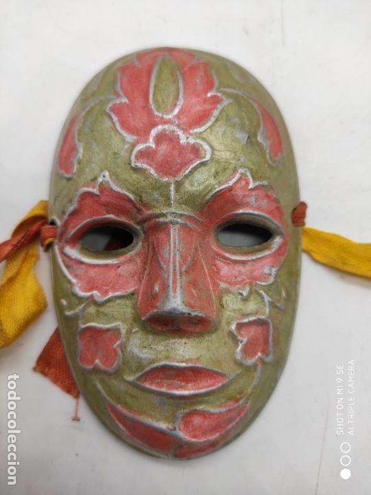Arte: Bella máscara antigua Veneciana en metal plata con esmaltes nacarados pintada a mano . - Foto 3 - 171831609