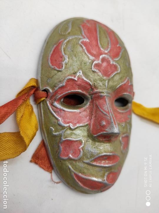 Arte: Bella máscara antigua Veneciana en metal plata con esmaltes nacarados pintada a mano . - Foto 4 - 171831609