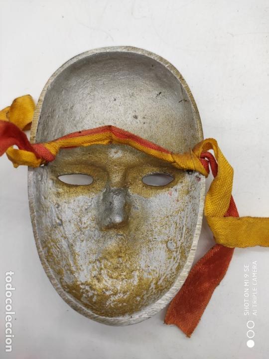 Arte: Bella máscara antigua Veneciana en metal plata con esmaltes nacarados pintada a mano . - Foto 5 - 171831609