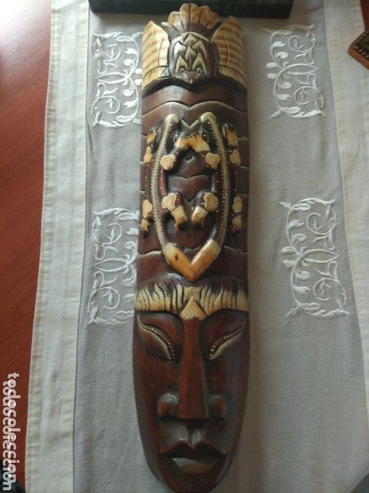 ESCULTURA ÁFRICA DE MADERA TIPO BAMBÚ MUY LIGERA). MÁS ARTÍCULOS ANTIGUOS EN MÍ PERFIL (Arte - Étnico - África)