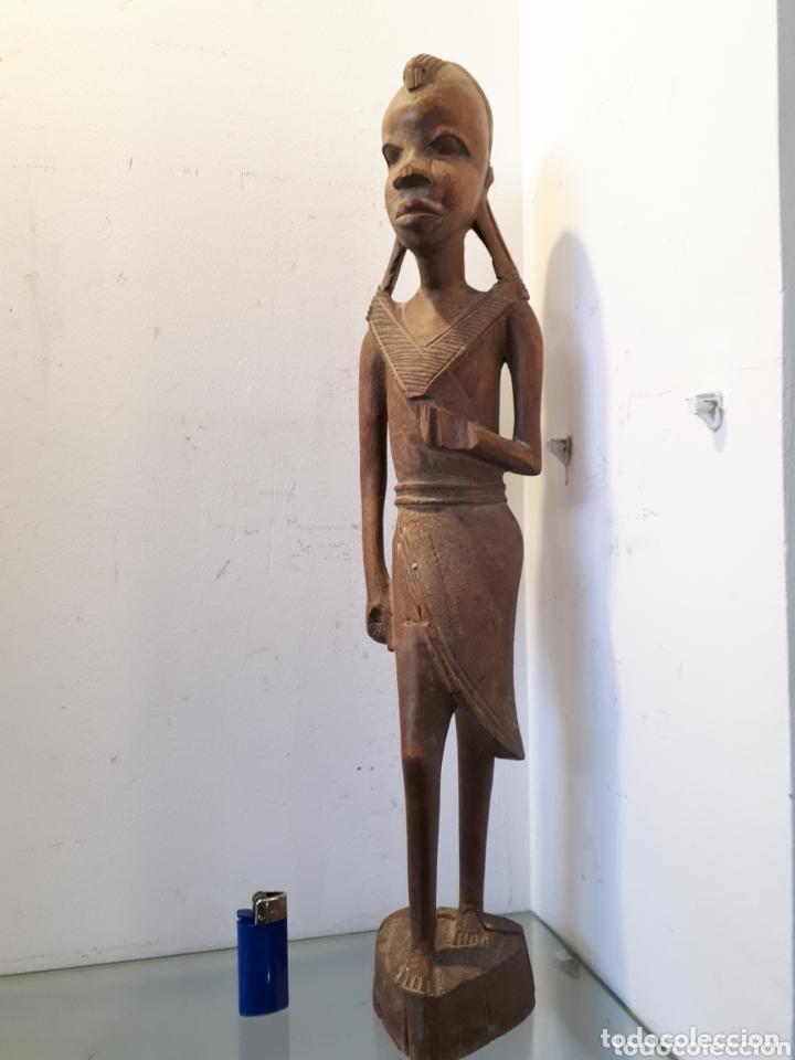 ELEGANTE TALLA DE MADERA AFRICANA 51 CM (Arte - Étnico - África)