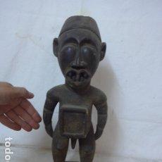 Arte: ANTIGUA ESCULTURA AFRICANA RELICARIO FETICHE DE MADERA TALLADA, ORIGINAL, DE TRIBU DE CONGO. Lote 174990000