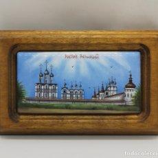 Arte: BELLA IMAGÉN ANTIGUA ROSTOV VELIKY PINTADO A MANO SOBRE PORCELANA ENMARCADO EN MADERA MACIZA .. Lote 176118754