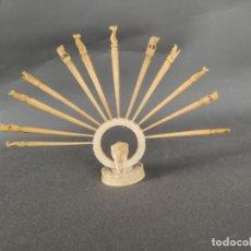 Arte: ELEFANTE CON 12 PINCHOS PARA APERITIVOS , TALLADOS A MANO , COMIENZOS S. XX . Lote 177480942