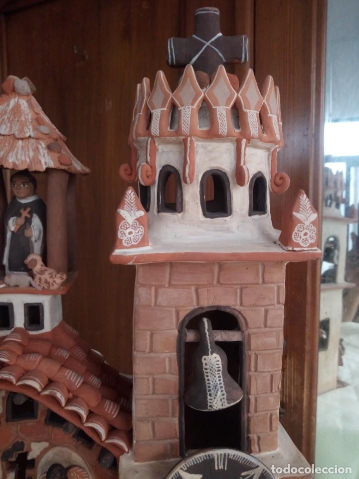 Arte: iglesia cerámica magno huasacca,suyjaruna,con personajes.artesanía,muy detallada.años 70/80,peru - Foto 5 - 177954178