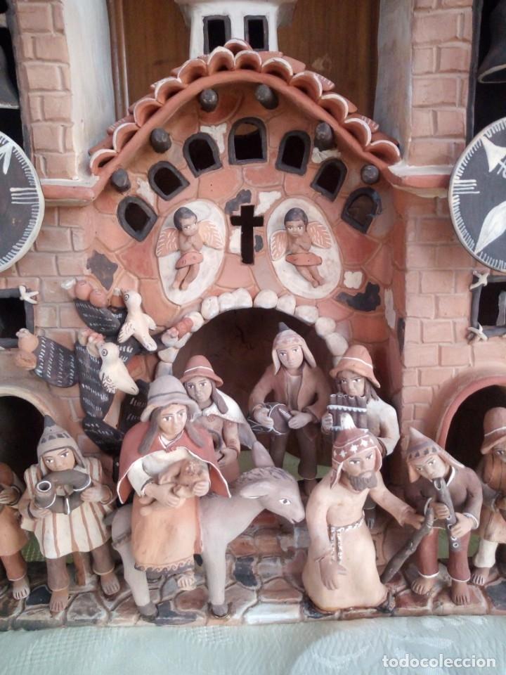 Arte: iglesia cerámica magno huasacca,suyjaruna,con personajes.artesanía,muy detallada.años 70/80,peru - Foto 6 - 177954178