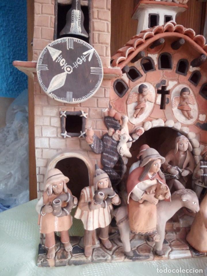 Arte: iglesia cerámica magno huasacca,suyjaruna,con personajes.artesanía,muy detallada.años 70/80,peru - Foto 7 - 177954178