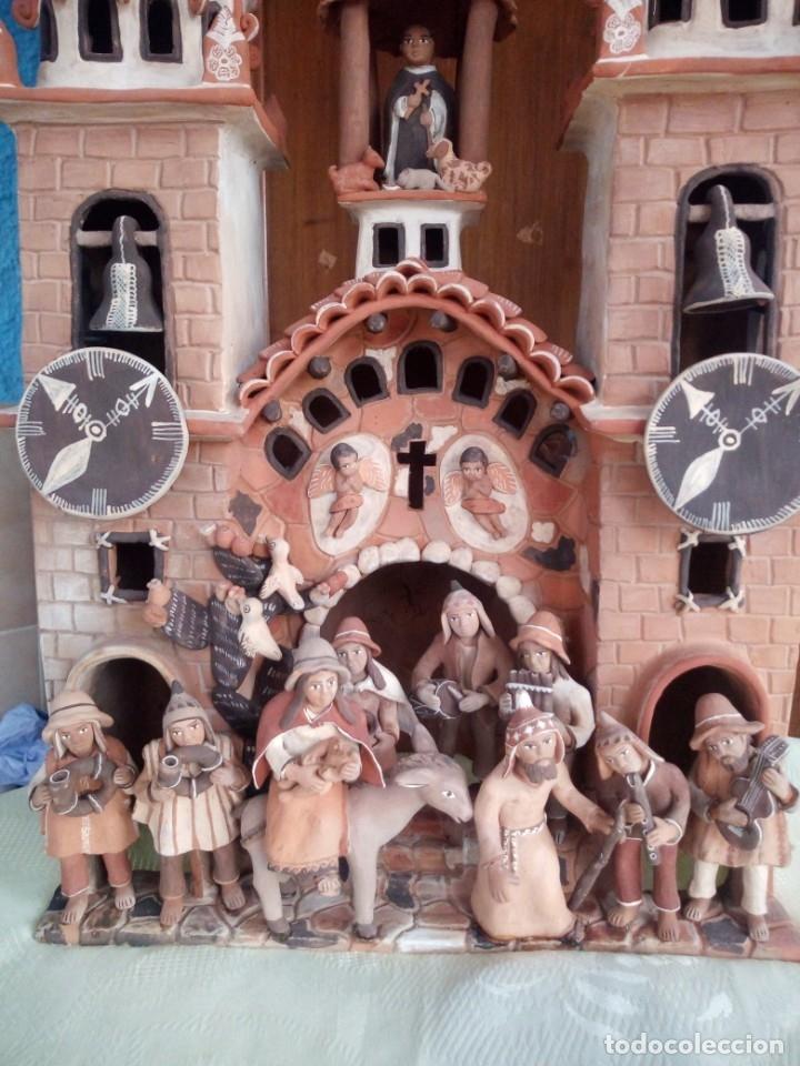 Arte: iglesia cerámica magno huasacca,suyjaruna,con personajes.artesanía,muy detallada.años 70/80,peru - Foto 9 - 177954178