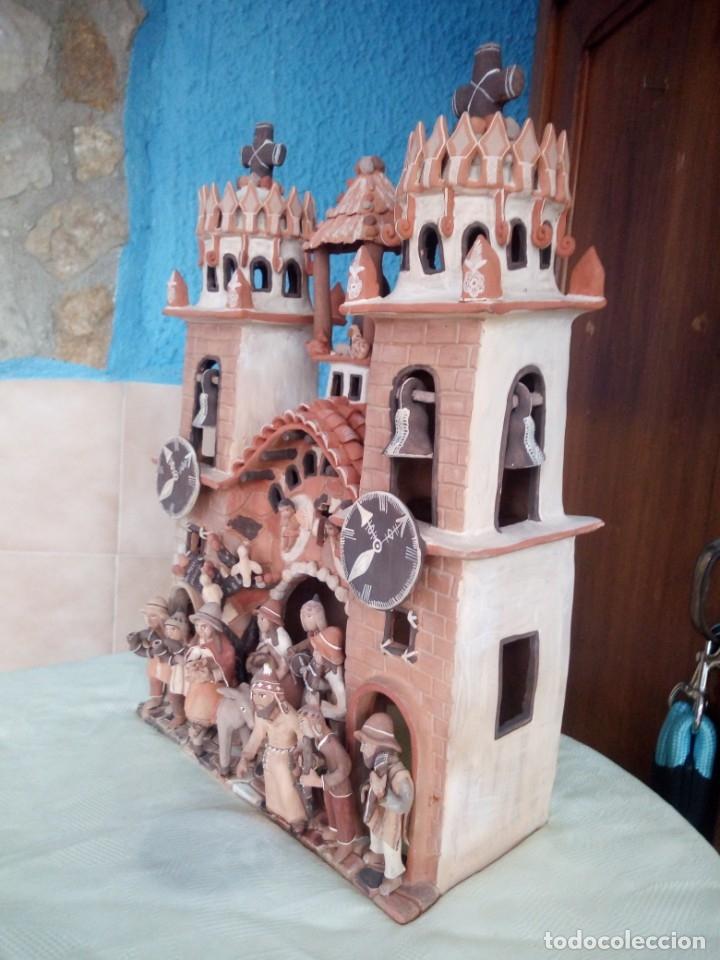 Arte: iglesia cerámica magno huasacca,suyjaruna,con personajes.artesanía,muy detallada.años 70/80,peru - Foto 14 - 177954178