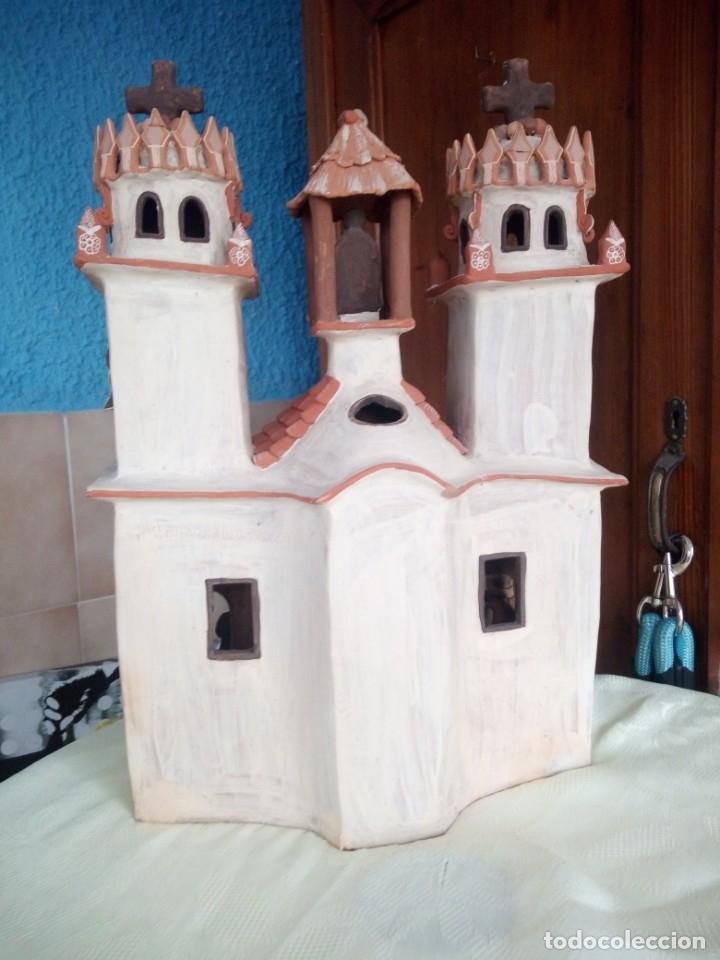 Arte: iglesia cerámica magno huasacca,suyjaruna,con personajes.artesanía,muy detallada.años 70/80,peru - Foto 15 - 177954178