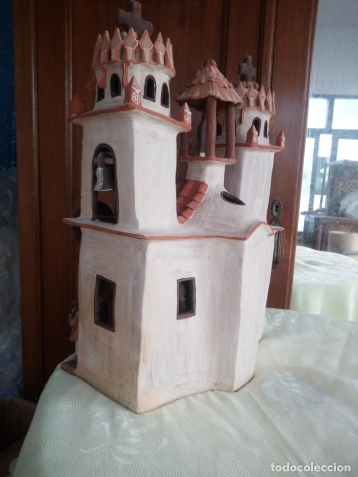 Arte: iglesia cerámica magno huasacca,suyjaruna,con personajes.artesanía,muy detallada.años 70/80,peru - Foto 16 - 177954178