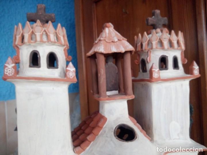 Arte: iglesia cerámica magno huasacca,suyjaruna,con personajes.artesanía,muy detallada.años 70/80,peru - Foto 18 - 177954178