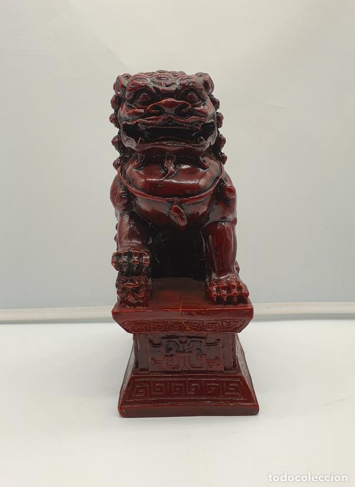 Arte: Escultura antigua de León Fu protector de la ciudad prohibida de Pekín . - Foto 2 - 178347491