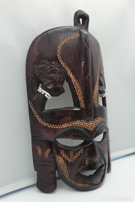 Arte: Mascara antigua africana en madera tallada a mano . - Foto 2 - 178347727