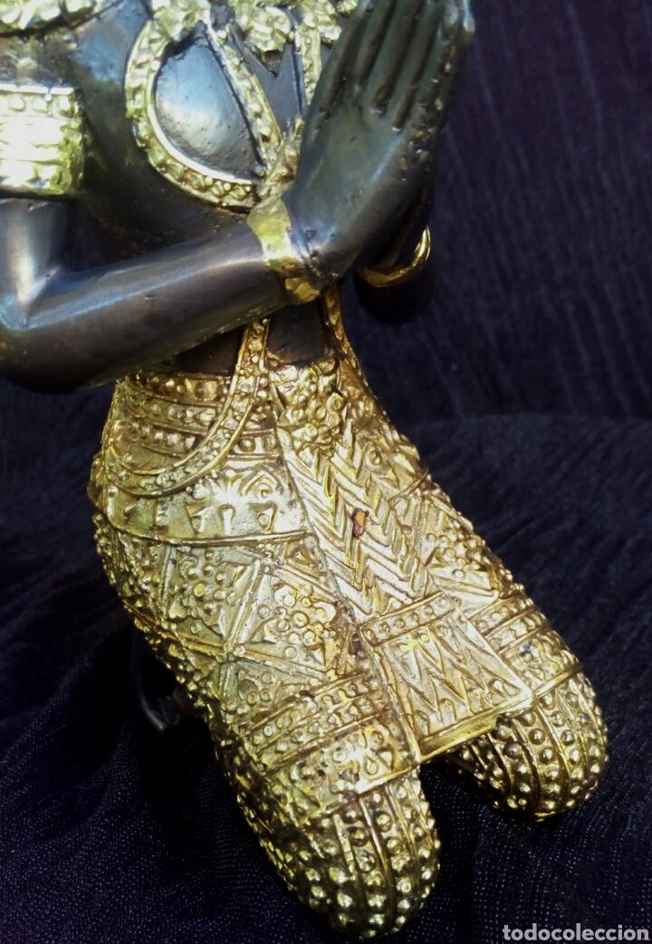 Arte: Guardian del templo. Thepanom. Figura de bronce dorado. Circa 1960. Tailandia. - Foto 6 - 178939703