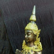 Arte: GUARDIAN DEL TEMPLO. THEPANOM. FIGURA DE BRONCE DORADO. CIRCA 1960. TAILANDIA.. Lote 178939703