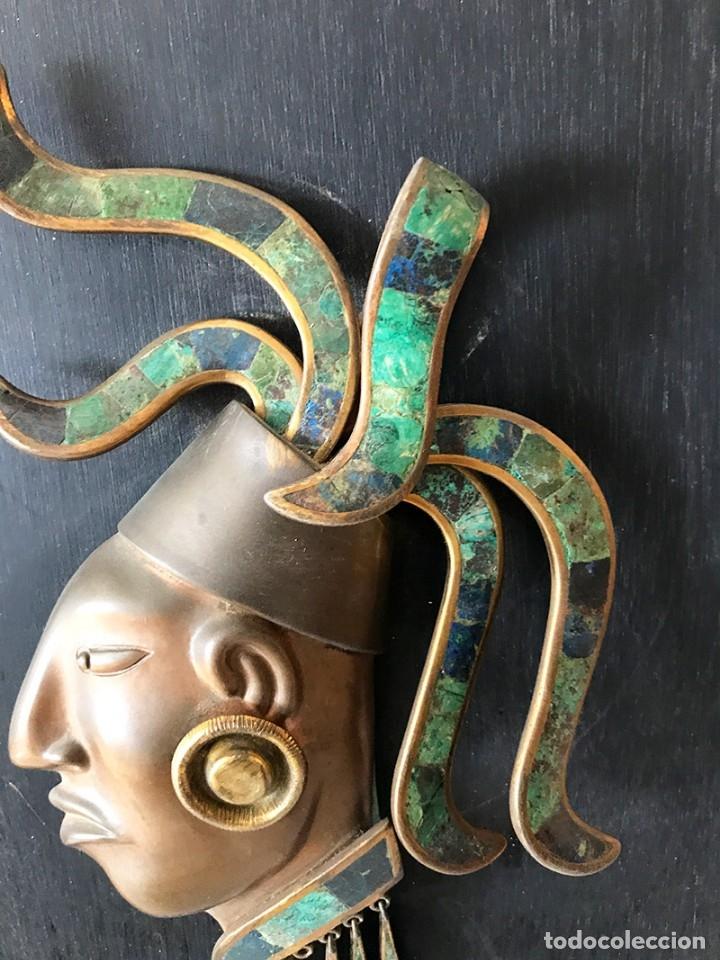 Arte: Placa de madera de pared con mascara maya en latón, cobre muy elaborada adornos latón y piedras - Foto 5 - 179074848