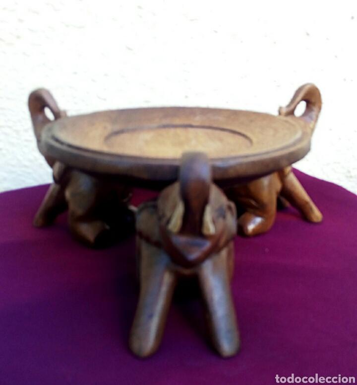 Arte: Antigua peana. Pedestal asiatico. Madera noble, con tallas de elefantes. - Foto 6 - 179232396