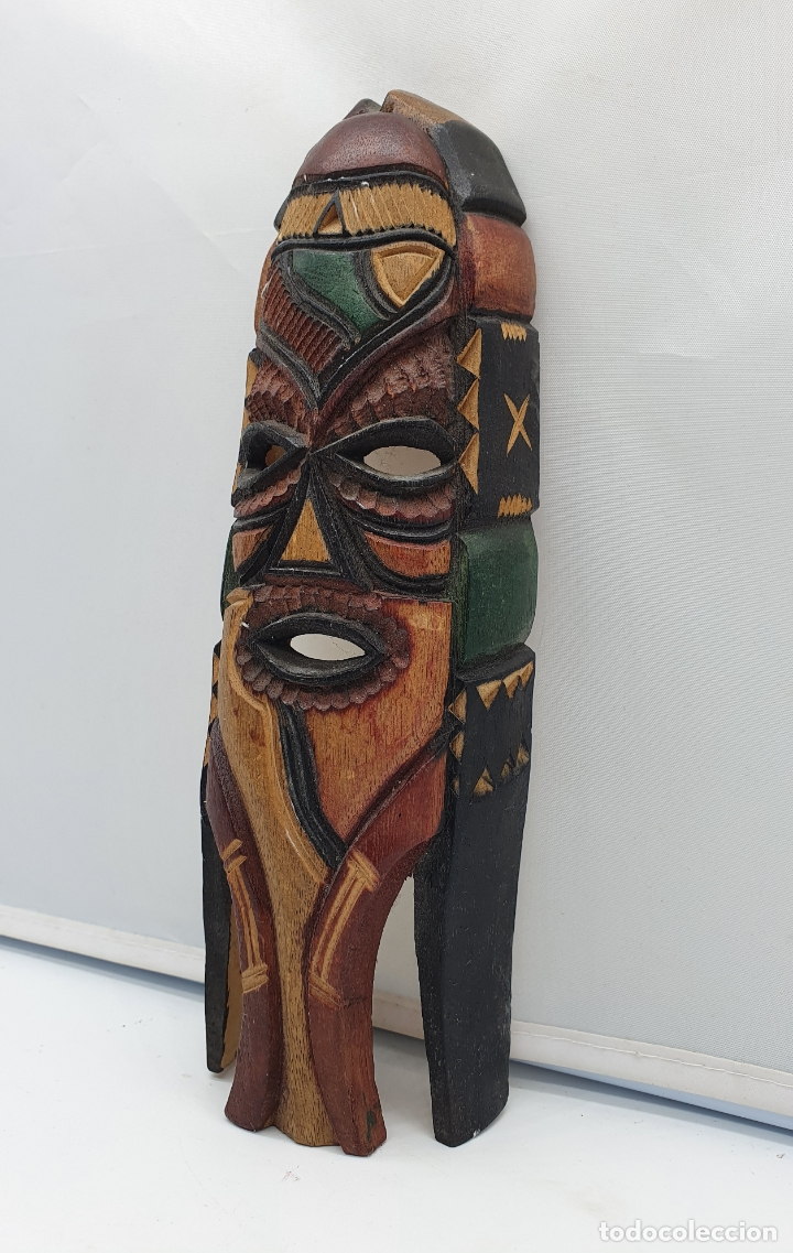Arte: Curiosa mascara antigua indigena carioca en madera tallada a mano y policromada en colores . - Foto 2 - 181154733