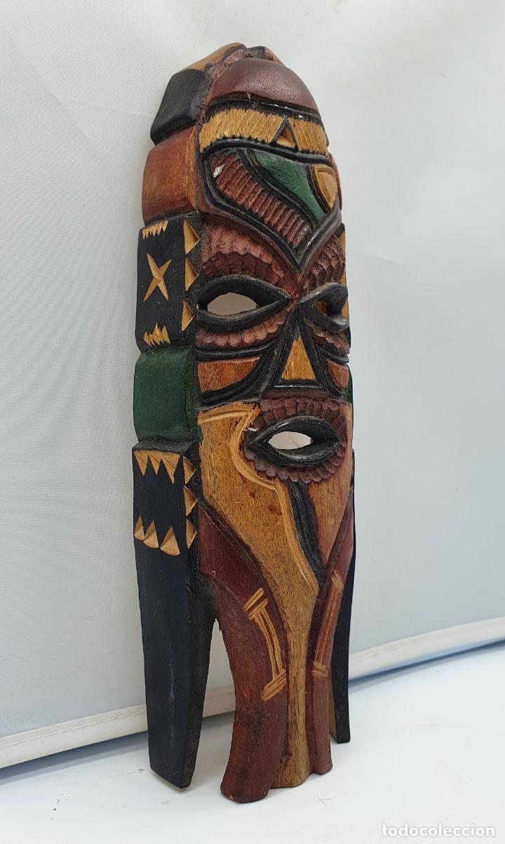 Arte: Curiosa mascara antigua indigena carioca en madera tallada a mano y policromada en colores . - Foto 4 - 181154733