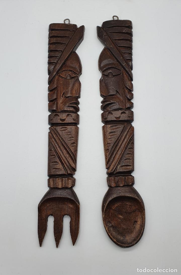 Arte: Original juego de cubiertos de servir en madera tallada a mano con caras en relieve, hecho en Mexico - Foto 4 - 181213762