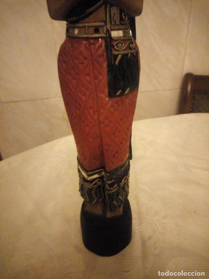Arte: escultura mujer indú tallada en madera,colores vistosos y trocitos de espejo. - Foto 4 - 182117468