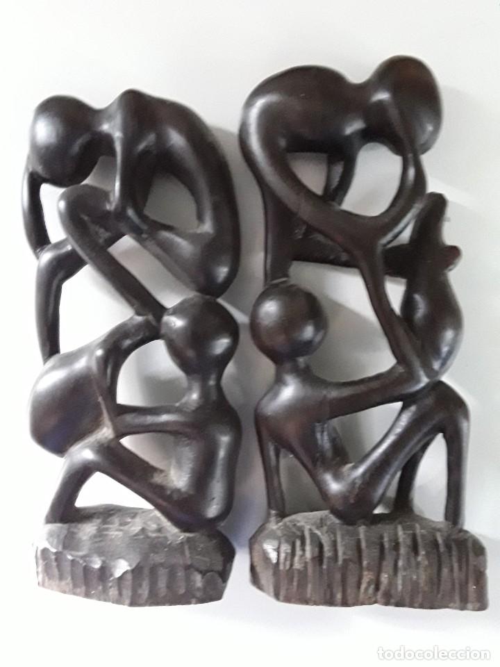 Arte: Dos figuras en madera, posiblemente ébano, fínamente talladas. Medidas: 19 cm x 9 cm x 3 cm - Foto 12 - 182161091