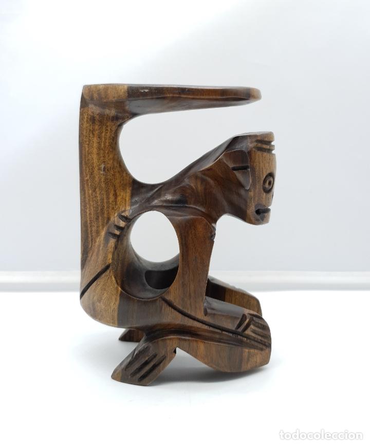 Arte: Escultura antigua deidad de la cultura Taina en madera tropical maciza, hecha a mano por sus nativos - Foto 3 - 182758858