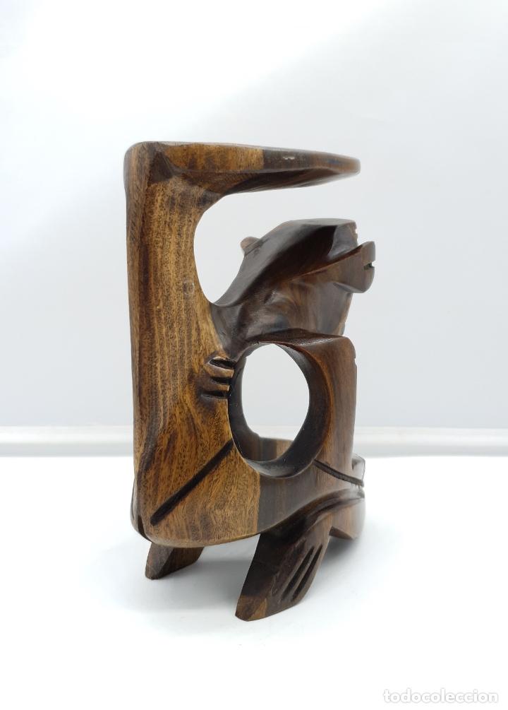 Arte: Escultura antigua deidad de la cultura Taina en madera tropical maciza, hecha a mano por sus nativos - Foto 4 - 182758858