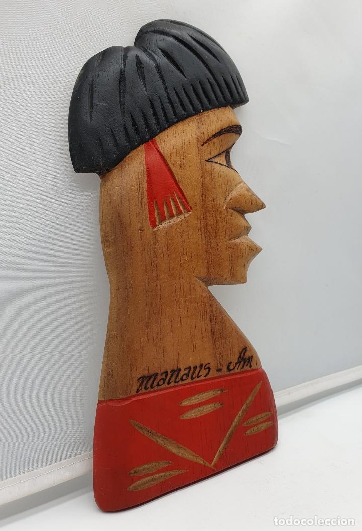 Arte: Talla antigua de nativo de las amazona en madera tallado a mano en Manaos ( Brasil ) . - Foto 4 - 182762665